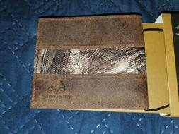 Brand New Leather and Canvas REALTREE Camo Bifold Wallet