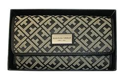 Tommy Hilfiger Women's Core Wallets Continental Wallet TH 88